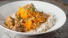 Recettes - Signé M - TVA - Porc aux noix de cajou Curry, Dinner, Ethnic Recipes, Food, Meal, Cooking Food, Recipes, Main Courses, Dining