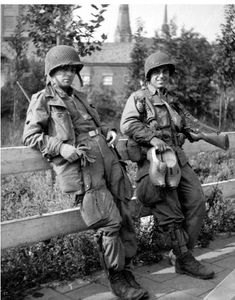 Gordon Carson and Frank Perconte, Easy Company, 101st Airborne, Band of Brothers