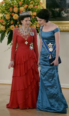 Queen Silvia and First Lady Jenni Haukio attend a gala banquet on Their Majesties' state visit to Finland Princess Diana Wedding, Princess Estelle, Crown Princess Victoria, Casa Real, Royal Family Pictures, Queen Of Sweden, Royal Monarchy, Swedish Royalty, Rich & Royal
