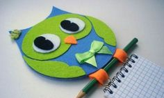 notebook by an old cd Kids Crafts, Owl Crafts, Arts And Crafts, Paper Crafts, Recycled Cd Crafts, Cd Design, Cd Art, Handmade, Creative Ideas