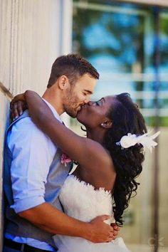 love has no color beautiful interracial couples. find interracial singles at @ www.sexyblackwhite.com  #interracialdating #blackmendatingwhitewomen #blackwomendatingwhitemen