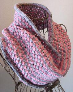 Star Stitch Cowl Free pattern ♥  5000 FREE patterns to knit ♥: http://www.pinterest.com/DUTCHKNITTY/share-the-best-free-patterns-to-knit/
