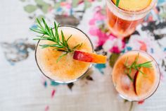 Peach and rosemary summer fizz
