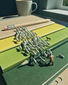 diorama met kantoorartikelen