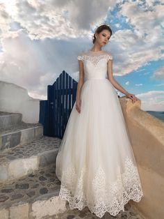 Insula Fericitilor 2015 cea mai faina 2015 Wedding Dresses, Wedding Gowns, Mai, Wedding Ideas, Weddings, Fashion, Valentines Day Weddings, Homecoming Dresses Straps, Moda