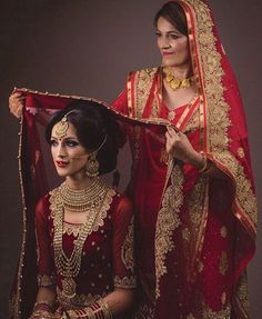 The most special bond is of a mother & daughter ❤ This beautiful moment captured by @jdhillon_ has melted our heart! Stunning bride made up by the one & only @ginibhogal