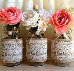 Magali Vieira is coming soon Mason Jar Crafts, Bottle Crafts, Mason Jars, Deco Table, Bottles And Jars, Diy Wedding, Flower Arrangements, Diy And Crafts, Projects To Try