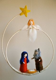Christmas Wreath Waldorf inspired needle felted : Marie,Joseph the baby and angel (made to order) - Nadelfilzen Ideen Noel Christmas, Christmas Nativity, Christmas Wreaths, Christmas Decorations, Christmas Ornaments, Google Christmas, Advent Wreaths, Diy Ornaments, Outdoor Christmas