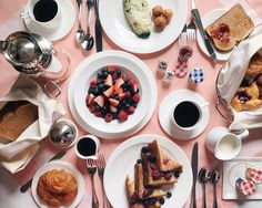 One of everything please  #goodmorning #nyc #thecarlylehotel #roomservice #gmgtravels #sundays