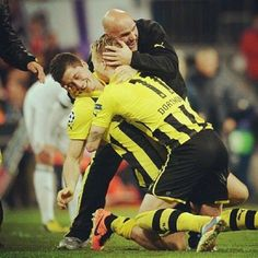 Marco Reus, Mats Hummels, and Nothing Else - l-e-w-a-n-d-o-w-s-k-i: I will miss Leweus, so.