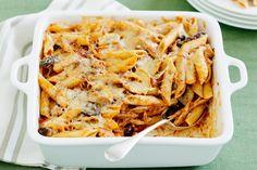 Αξιοποιήστε το ψητό κοτόπουλο που σας έχει περισσέψει και φτιάξτε ένα υπέροχο, πεντανόστιμο πιάτο για το καθημερινό τραπέζι. Μια πολύ εύκολη συνταγή (από ε