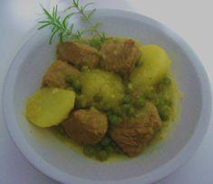 Spezzatino di vitello in bianco con piselli patate e rosmarino Guacamole, Food And Drink, Mexican, Ethnic Recipes, Carne