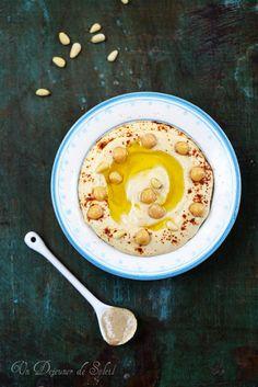 Un dejeuner de soleil: Houmous ou hummus, crème de pois chiches au sésame...