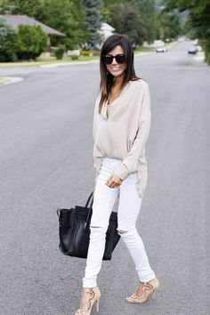How to Wear White Jeans. white jeans are so versitile wear them with a simple top or dress them up with some heels, a statement necklace and a fancy handbag.: