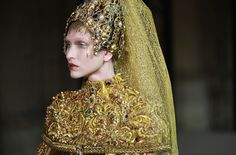 Guo Pei Haute Couture kevät-kesä 2017, Pariisissa ...
