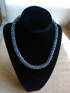 Beaded Necklace, Jewelry, Fashion, Beaded Collar, Moda, Jewlery, Pearl Necklace, Jewerly, Fashion Styles