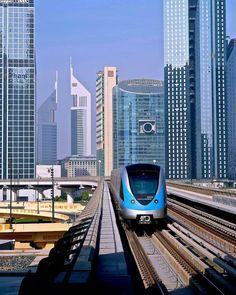 Dubai metro #UAE #UAEVoice #DubaiMetro
