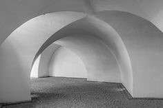 wing light black and white architecture white building old stone arch line black monochrome walls symmetry arcade vault dome shape historically away gang round arch daylighting monochrome photography