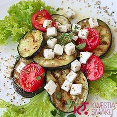 Best Tomato Recipes Turn those fresh summer vegetables into a delicious side dish the whole family with love. Parmesan roasted zucchini and tomatoes is simple and delicious! Parmesan Roasted Zucchini, Zucchini Tomato, Roast Zucchini, Eggplant Parmesan, Side Dish Recipes, Veggie Recipes, Ark Recipes, Shrimp Recipes, Lunch Recipes