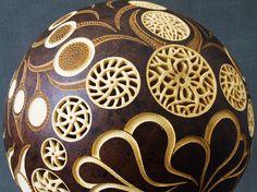 Calabarte. Carved gourd lamp
