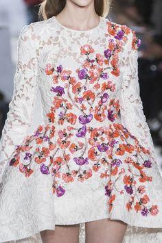 Short dress from Giambattista Valli Haute Couture spring 2014 I Vestido corto de Giambattista Valli