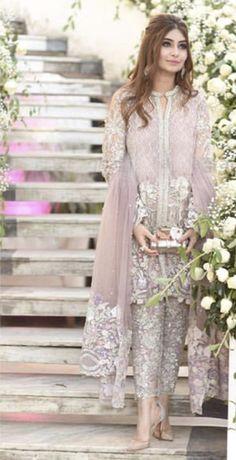 15 Ideas Wedding Dresses Pakistani Sisters - - 15 Ideas Wedding Dresses Pakistani Sisters Source by laibar Pakistani Formal Dresses, Pakistani Wedding Outfits, Pakistani Bridal Dresses, Pakistani Wedding Dresses, Pakistani Dress Design, Designer Wedding Dresses, Indian Dresses, Pakistani Mehndi, Pakistani Clothing