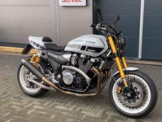 Moto Cafe, Cafe Bike, Cafe Racer Bikes, Cafe Racer Motorcycle, Motorcycle Garage, Motorcycle Design, Motorcycle Style, Bike Design, Custom Motorcycles