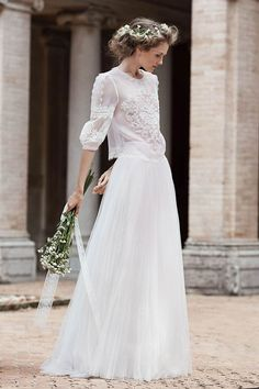 Beautiful and Unique Wedding Dresses Ideas - Bridal Collection. The wedding dress is the most difficult part of a wedding. Look at our beautiful and unique wedding dresses to help you find your dream wedding dress. Top Wedding Dress Designers, 2016 Wedding Dresses, Bridal Dresses, Wedding Gowns, 2017 Wedding, Wedding Dress Sleeves, Long Sleeve Wedding, Boho Chic, Bohemian Style