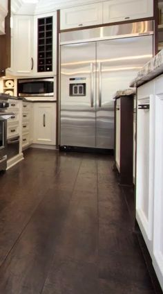Suitable kitchen flooring options on this favorite site Kitchen Themes, Kitchen Layout, Kitchen Decor, Kitchen Living, Kitchen Ideas, Simple Kitchen Design, Best Kitchen Designs, Kitchen Planner, Room Planner