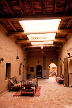 Morocco – Sahara: Kasbah Hospitality A Kasbah (traditional Moroccan home) in Morocco. (© Jonathan Reid) Wiki: A kasbah or Qassabah is a type of medina, Islamic city, or fortress (citadel). Moroccan Interiors, Moroccan Decor, Moroccan Style, Deco Restaurant, Mud House, Adobe House, Rammed Earth, Islamic Architecture, Vernacular Architecture