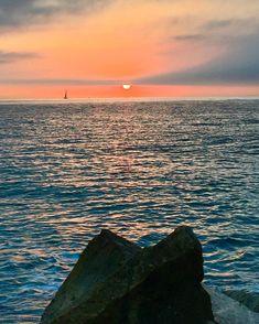 #amanecer #amaneceres #amanece#puestadesol #guadalmina #marbella #marbellabeach #sunset #sunsets #sunset_pics #malaga #marbellalife #marbella2016 ##andalucia #andalucia_photos #españa #espana #spain #mar#sol #buenosdias #buentiempo#🌞