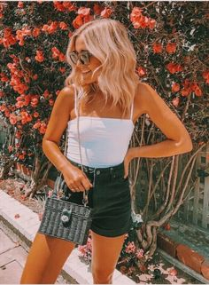 45 Flawless Summer Outfits To Copy This Moment ғᴏʟʟᴏᴡ ғᴏʟʟᴏᴡ ᴍᴇ ᴀʟʟ ᴀʟʟ sᴍʏs! ♥ ︎ ︎sɪɴ ★ ɴɪᴄᴀғʀɪᴇᴅᴍᴀɴ sɴɪᴄᴀғʀɪᴇᴅᴍᴀɴ ★ ɴɪᴄᴀɴɪᴄᴀ The post 45 makellose Sommeroutfits, die diesen Moment nachahmen appeared first on Frisuren Tips - Casual Outfit Mode Outfits, Short Outfits, Outfits For Teens, Trendy Outfits, Fashion Outfits, 1940s Outfits, Retro Outfits, Classy Outfits, Stylish Outfits