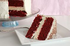 A layer of cheesecake is surrounded by 2 red velvet cake layers and then frosting in a thick, creamy cheesecake frosting in this Red Velvet Cheesecake Cake. Red Velvet Cheesecake Cake, Cheesecake Frosting, Velvet Cake, Cheesecake Recipes, Dessert Recipes, Red Velvet Birthday Cake, 10 Birthday Cake, Birthday Ideas, Birthday Gifts