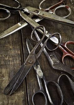 ClothesPeggS: Imagine life without scissors. Formation Photo, Retro, Bioshock, Men's Grooming, Barber Shop, Vintage Sewing, Hairdresser, Antiques, Beautiful