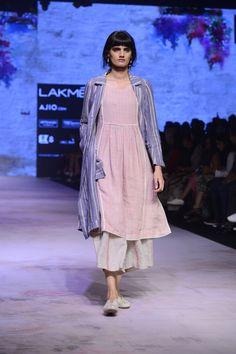 Eka At Lakme Fashion Week Summer Resort Lakme Fashion Week 2017, India Fashion Week, Japan Fashion, Western Dresses, Indian Dresses, Indian Outfits, Indian Fashion, Boho Fashion, Bridal Fashion