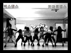 Source : Kiaro Dance Company Director : Se-yang Jung source   https://www.crazytech.eu.org/funky-jazz-dance-choreography-britney-spears-circus-by-se-yang/