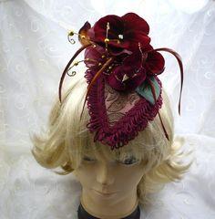 "spektakulärer Kopfschmuck - ""roter Samtvogel"", spectacular Headpiece  - ""velvet bird"" von KopfBisFuss auf Etsy"