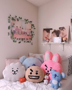 dorm room ideas for guys thanks a lot to all of you. My room isnt that particular however Im glad you guys suppose so I hope my photos enhance over time so Room Ideas Bedroom, Bedroom Inspo, Bedroom Decor, Army Room Decor, Cute Room Decor, Dream Rooms, Dream Bedroom, Kawaii Bedroom, Tumblr Rooms