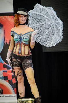 Show na podiu- z části žena a z části stroj. To je moje krásná Steampunk modelka Milenka. Interbeauty Prague 11.4.2015