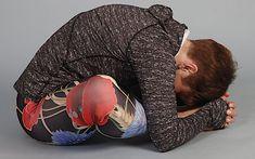 Cviky na uvolnění zad, pánve akyčlí – Novinky.cz Yoga Leggings, Pilates, Health Fitness, Hair Beauty, Exercise, Workout, Sport, Messi, Stretching