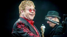 Elton vseda looks fine #eltonjohn @Eltonjohn1947 @yamahaentertain @ejaf #ejaf @therocketman #therocketman