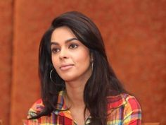 Mallika Sherawat (Actress) Profile with Bio, Photos and Videos - Onenov.in