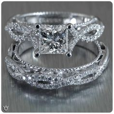 They beautifully complete each other. Venetian-5003 and its matching band rock the Princess cut diamond in the center. Would you? Learn more> http://verrag.io/Venetian-5003