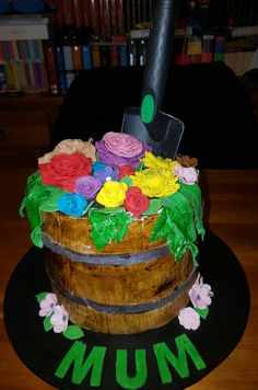 Flowe barrel cake