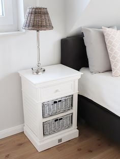 Chest of drawers nightstand Kampen with rattan baskets white in a modern country style - Wohnaccessoires 2020 Rattan Basket, Baskets, Modern Country Style, Chest Of Drawers, Nightstand, House Styles, Table, Furniture, Garden