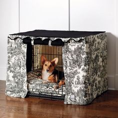 Transform an ordinary metal crate into a den of luxury with this Toile Crate Cover  Bed. The elegantly tailored cover surrounds pets with a sense        of sense of security, while the plush 4 thick bed (sold separately) cushions them as they rest and relax. Two of the crate cover panels roll up for easy access or roll down for        naptime.                            Classic black and cream toile print                            Solid black top                            100% cotto...
