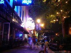 Many of Downtown Jacksonville's streets are bar-hop friendly.