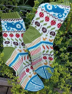 Quite possibly the cutest socks in the world! Tractors, veg, etc. Free on Ravelry Ravelry: Markens Grøde pattern by Lill C. Lace Knitting Patterns, Knitting Charts, Knitting Socks, Hand Knitting, Knit Socks, Knooking, Knit Stockings, Christmas Stockings, Textiles