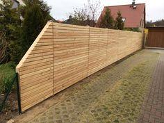 Sie möchten Holzzaun-Elemente kaufen? Wir liefern nach Deutschland und in die Schweiz.