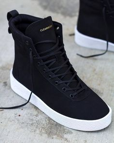 Fashion shoes for womens – All you need is … shoes… :) Hype Shoes, Women's Shoes, Shoes Sneakers, Shoes Men, Shoes Jordans, Adidas Sneakers, Sneakers Workout, Jordan Shoes For Men, Shoes Style